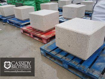 rossa seat white exposed concrete finish